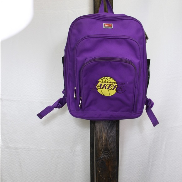 78f6e939b1 Vintage Nike Los Angeles Lakers backpack. M 5b1d8698194dad945a68e56b